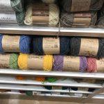 セリアの豊富な毛糸たちがかわいい♪ 写真10枚を公開中!