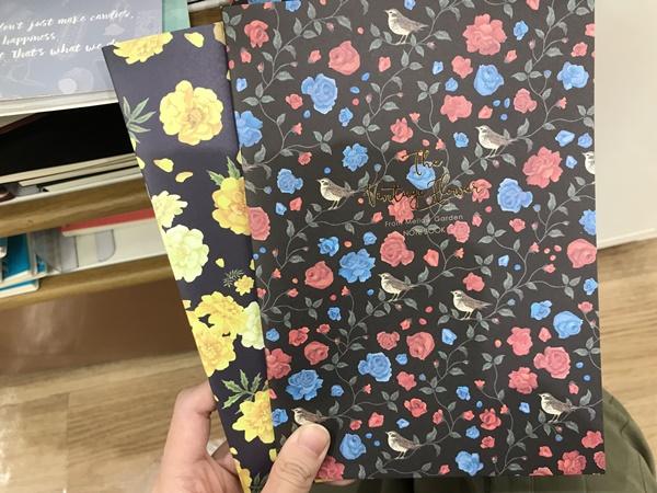 モノトーン花柄ノート