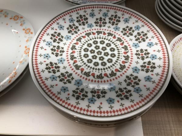 カラフルオリエンタルなお皿