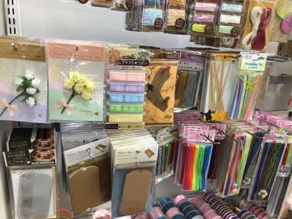 お花の装飾品、ラッピングタイ、カラーモール、タグ