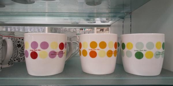 ドット柄のマグカップ